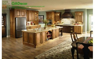 Tủ bếp gỗ tự nhiên TBD04